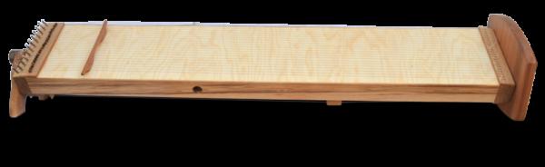 Multichord Gaya 140 Seitenansicht mit Ständer
