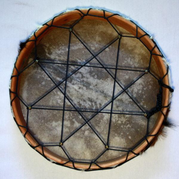 Rahmentrommel Sternchen, Rückseite Sternbespannung, schnell spannbar durch Perlen
