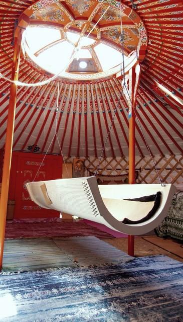 klang-schaukel in jurte