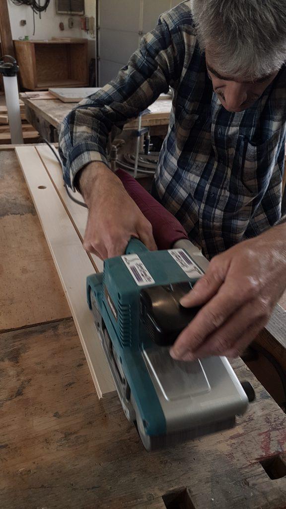 Einzelteile vorbereiten und schleifen - Monochord Bau Workshop als Paar